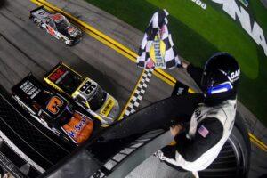 Daytona40web